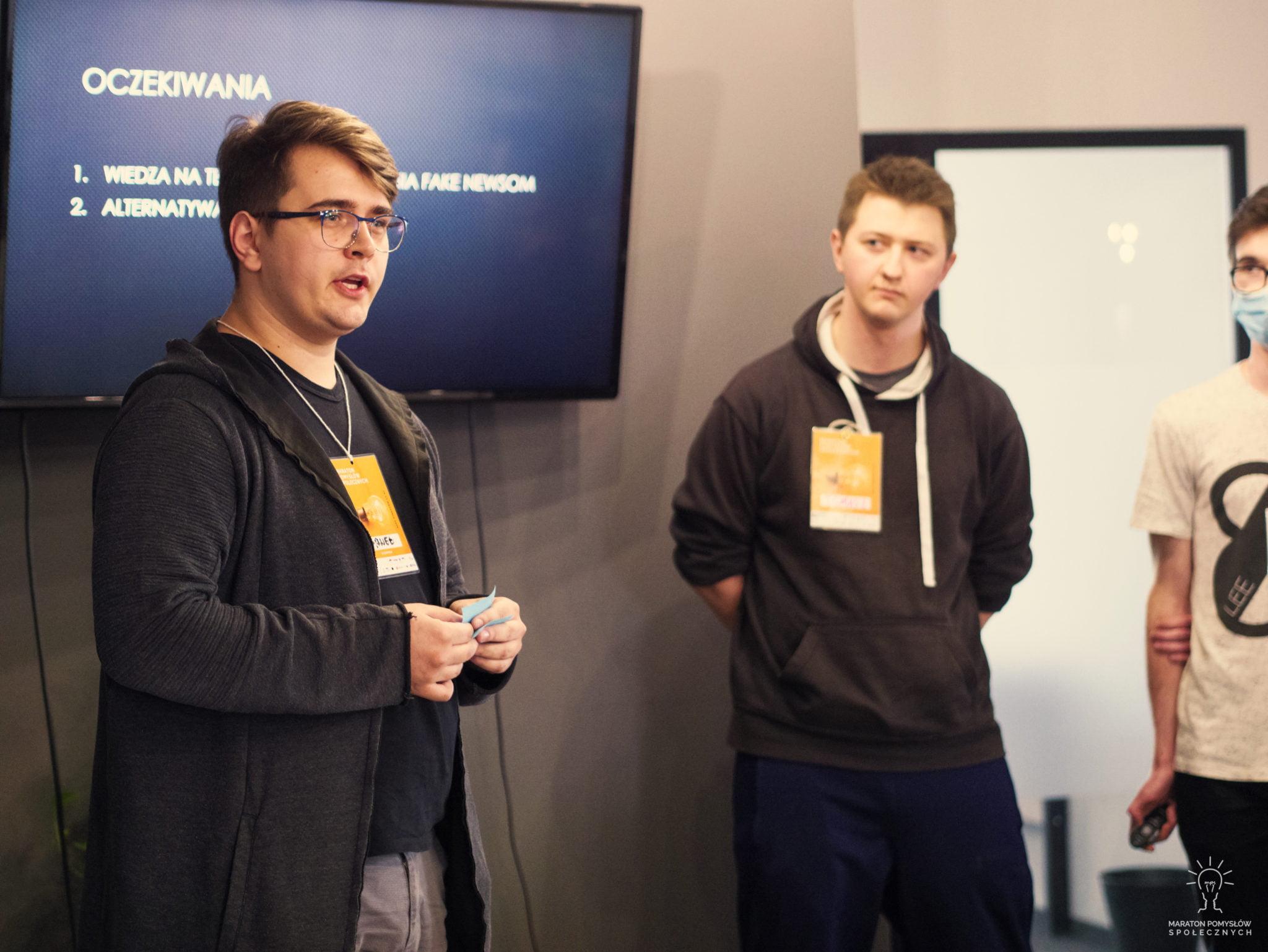 Prezentacja zespołu Trzej Muszkieterowie podczas Maratonu Pomysłów Społecznych
